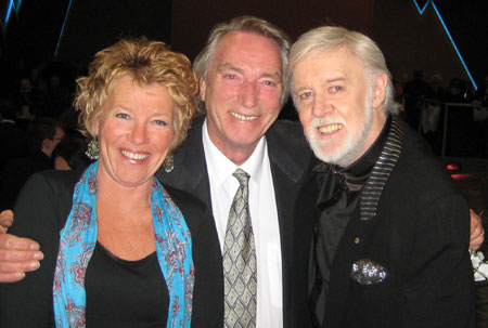 Carole and Frank Ifield with Barry Crocker